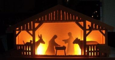 Eenvoudige Kerststal verlicht